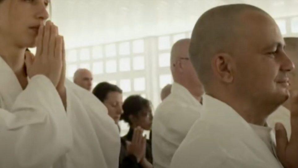 Mon ordination de moine bouddhiste sur une télé néerlandaise